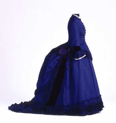 Gesellschaftskleid, getragen von Adele Andrée, 1870-1875 [Quelle: Landesmuseum Württemberg]