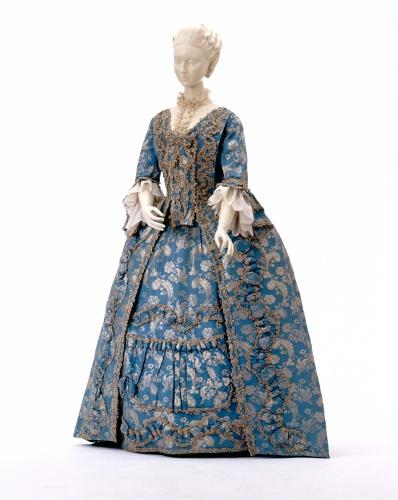 Damenkleid (Robe à la française), zwischen 1760 und 1770 [Quelle: Landesmuseum Württemberg]
