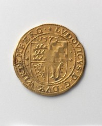 """Goldgulden Herzog Ludwigs von Württemberg aus dem Grundstein des Neuen Lusthauses in Stuttgart  Provenance/Rights:  Landesmuseum Württemberg, Stuttgart (CC BY-SA)"