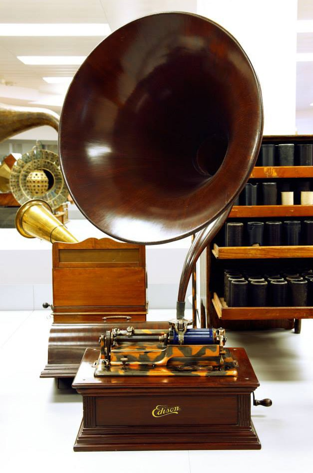 Phonograph Edison Idelia Modell E (Deutsches Phonomuseum CC BY-NC-SA)